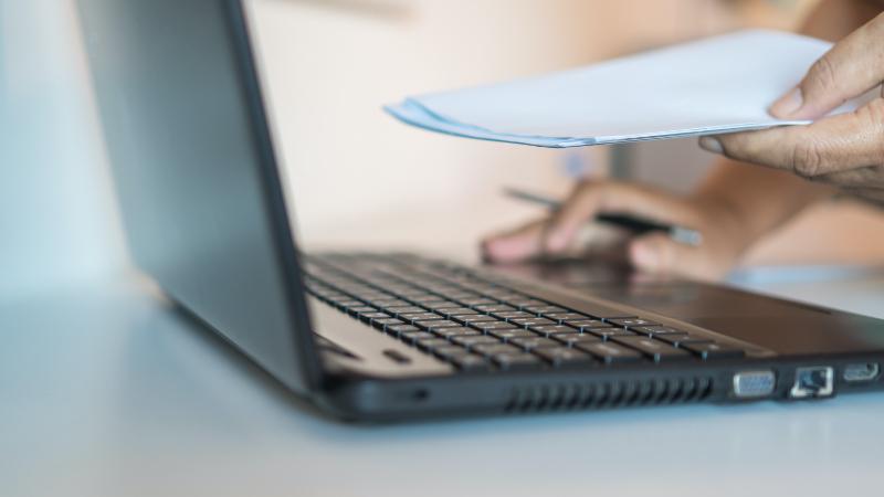 電子マニフェストとは-仕組みや業者の責任について-