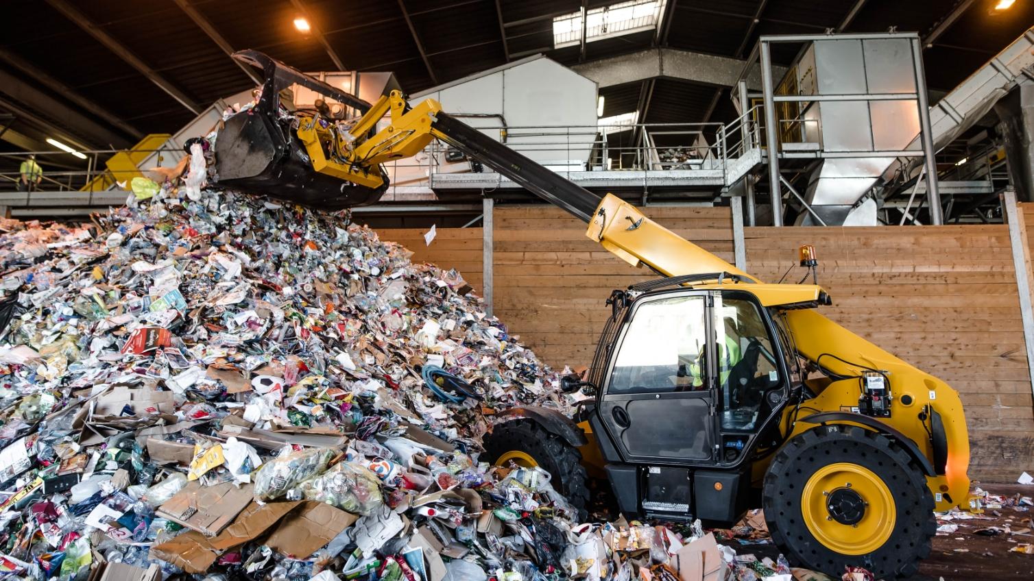 産業廃棄物を運搬・保管する際の表示ルールとは